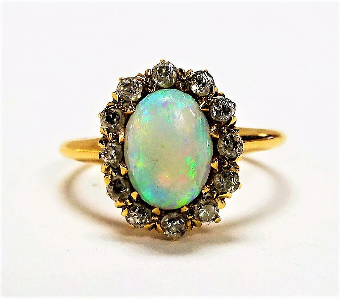 BEAUTIFUL 14KT YELLOW GOLD OPAL & DIAMOND RING