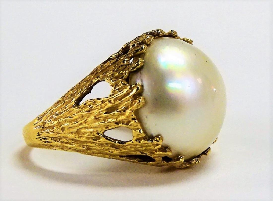 LARGE 14KT Y GOLD AND MOBE PEARL LADIES RING