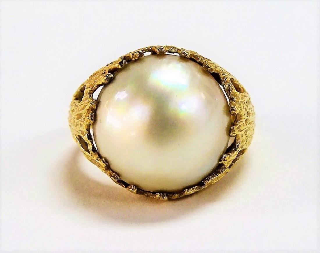 LARGE 14KT Y GOLD AND MOBE PEARL LADIES RING - 2