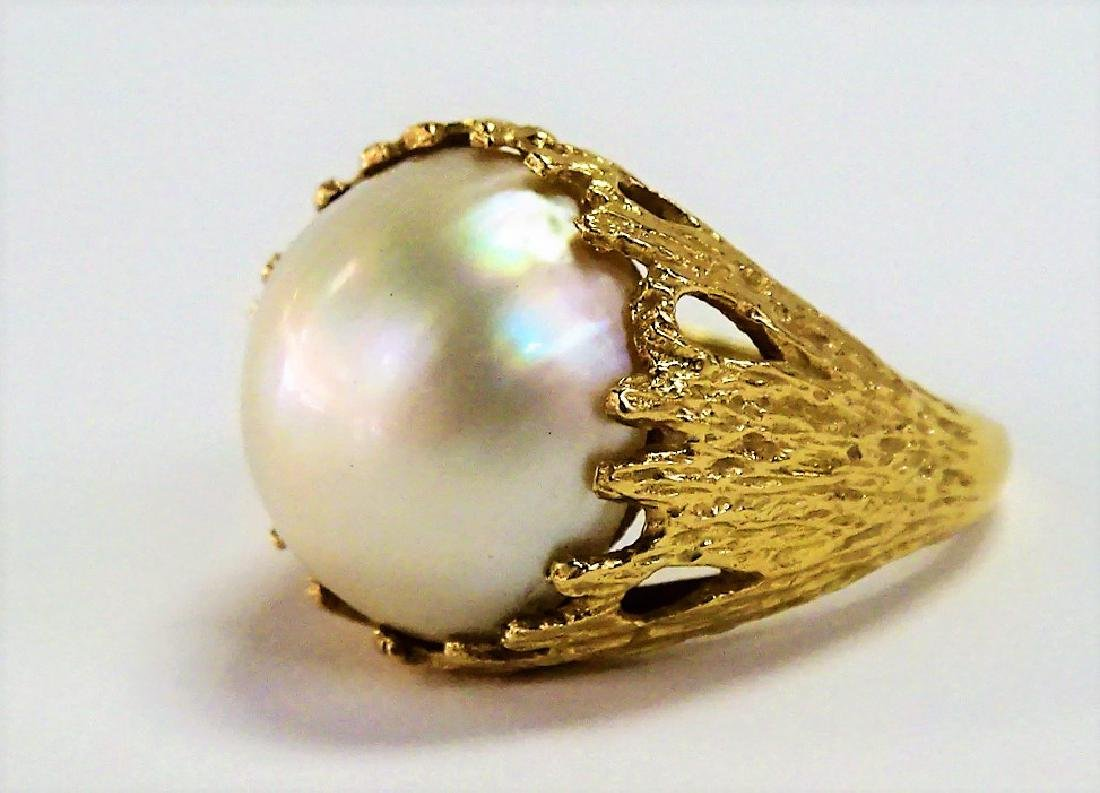 LARGE 14KT Y GOLD AND MOBE PEARL LADIES RING - 3