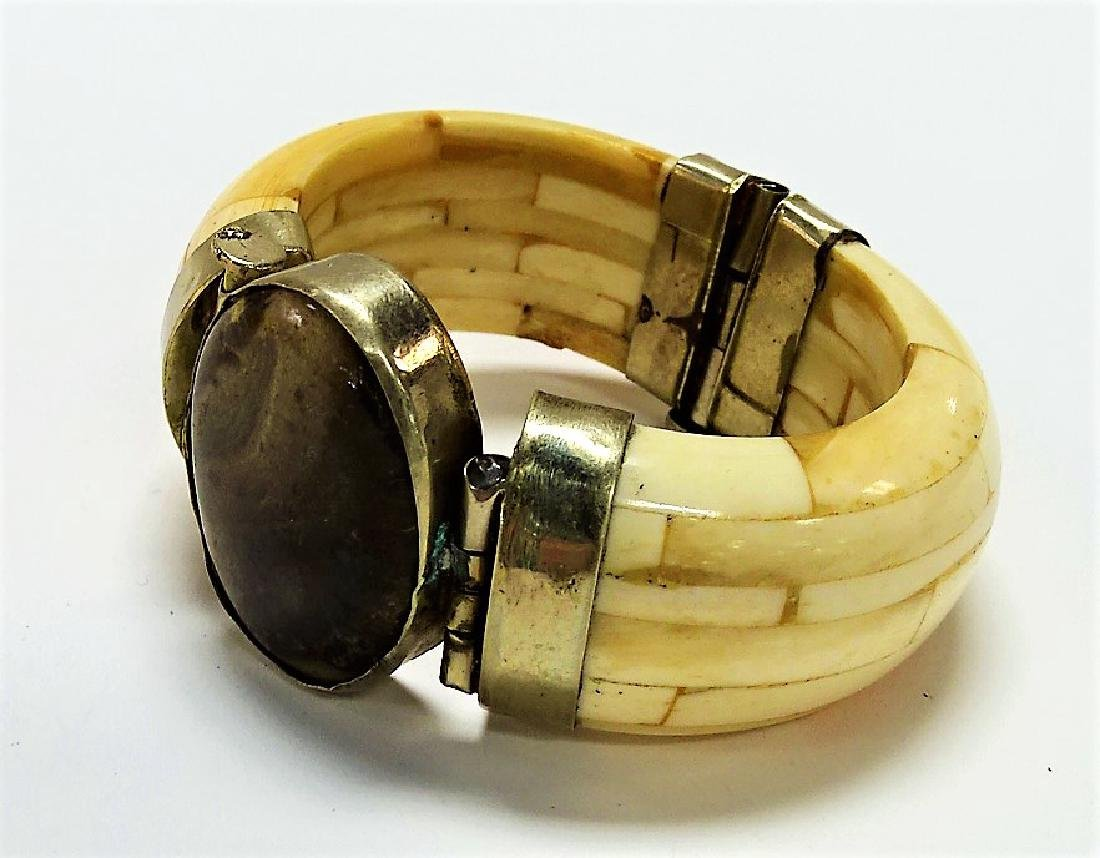 VINTAGE ASIAN CARVED BONE & AGATE STONE BANGLE - 2