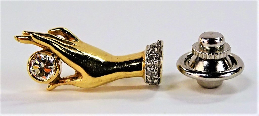 FANCY 14KT YELLOW GOLD DIAMOND HAND PIN