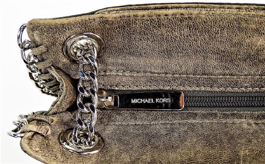 MICHAEL KORS 'CHELSEA' NICKEL LEATHER HANDBAG - 3
