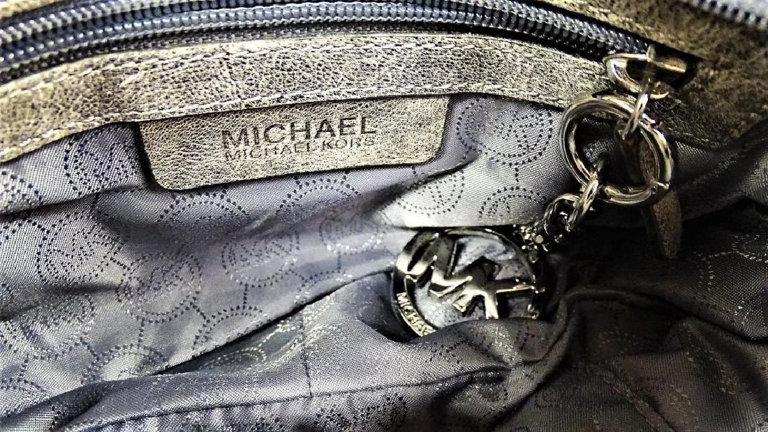MICHAEL KORS 'CHELSEA' NICKEL LEATHER HANDBAG - 4
