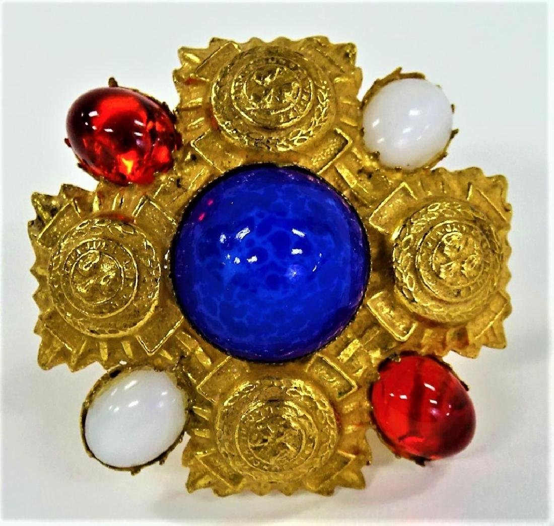 RICHELIEU GLD TN W/ BLUE, RED, & WHITE STONE PIN