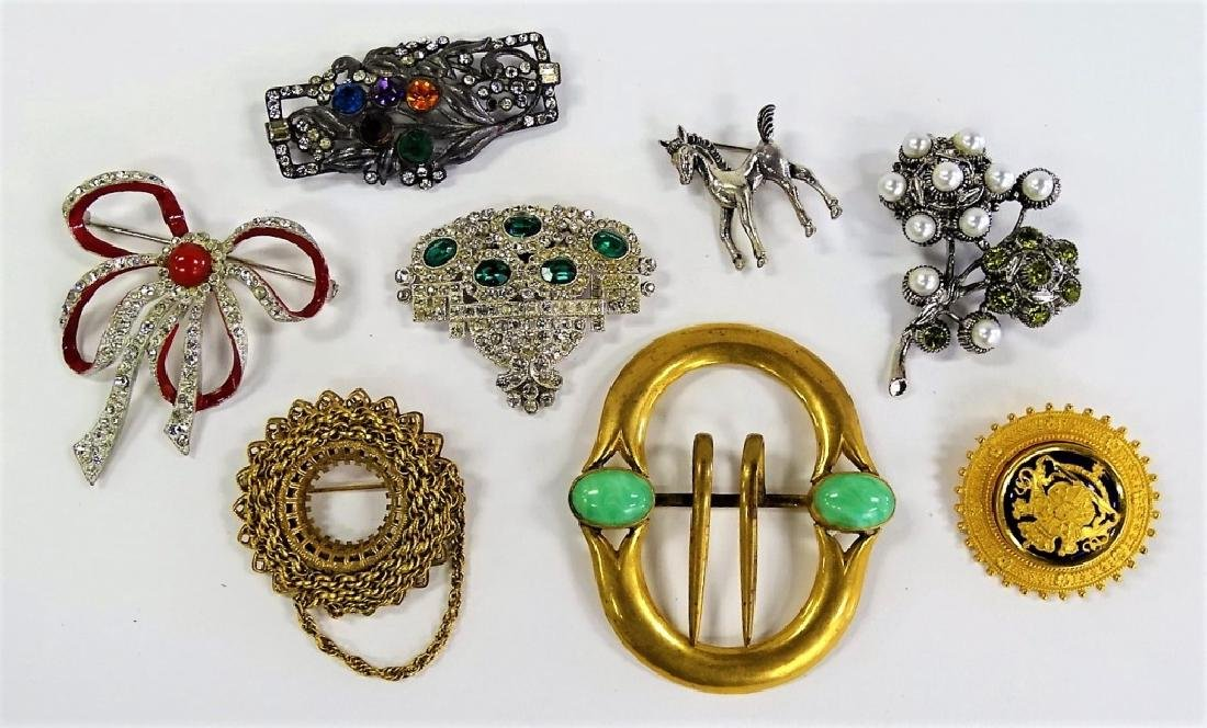 LARGE LOT OF COSTUME PINS/BROOCHES