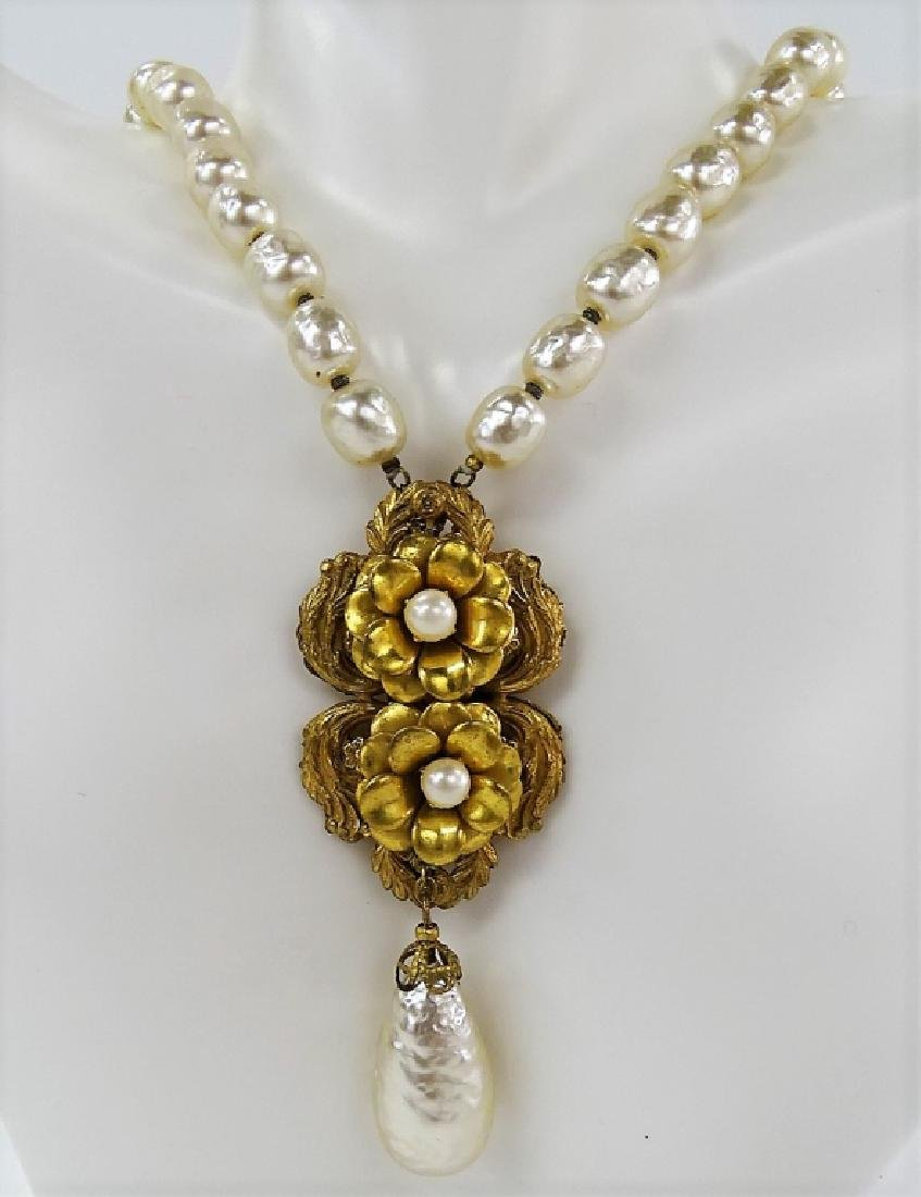 RARE MIRIAM HASKELL FAUX PEARL NECKLACE