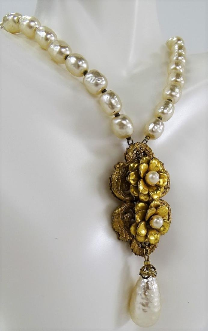 RARE MIRIAM HASKELL FAUX PEARL NECKLACE - 2