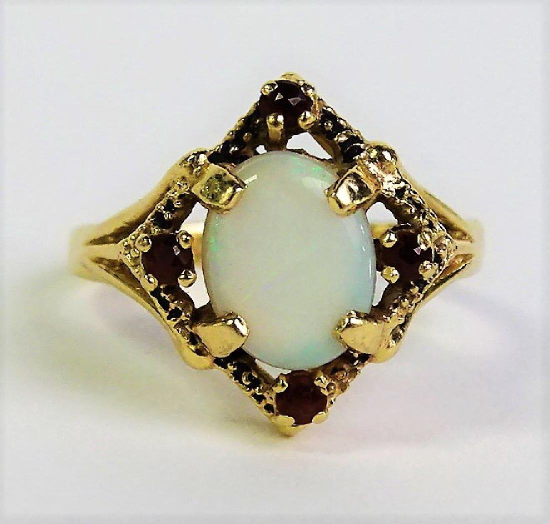 ESTATE 14KT YELLOW GOLD OPAL & GARNET LADIES RING