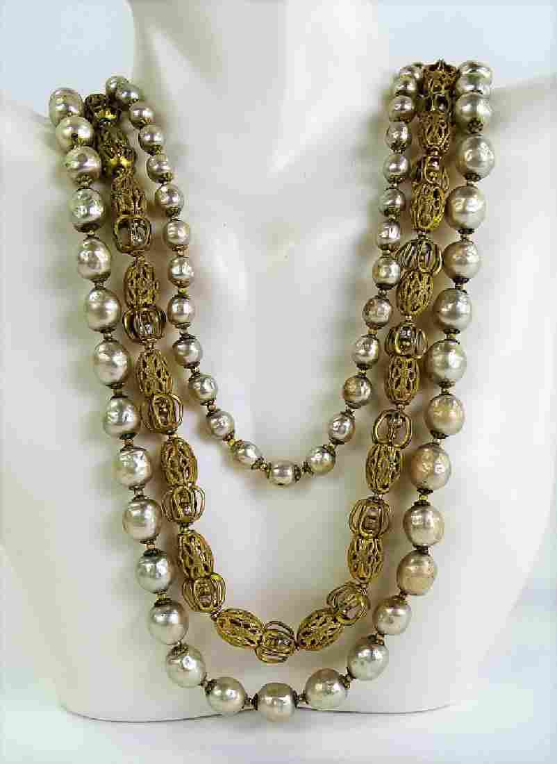 C. 1950'S MIRIAM HASKELL FAUX PEARL NECKLACE