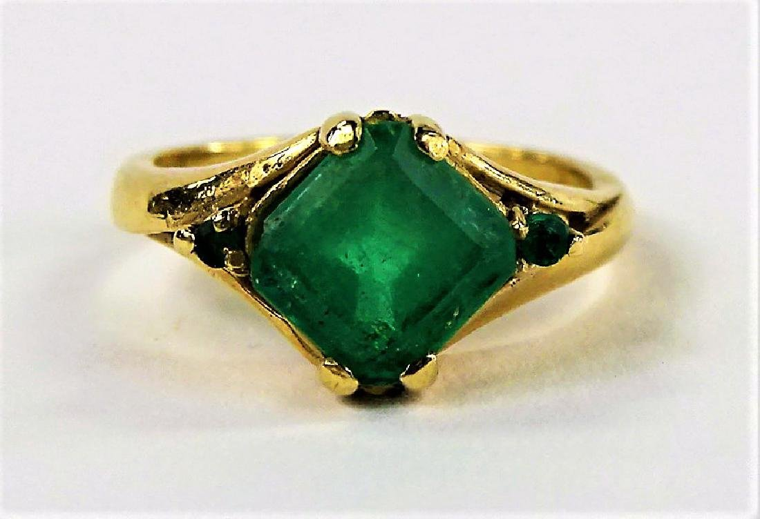 LADIES VICTORIAN 14KT YELLOW GOLD EMERALD RING