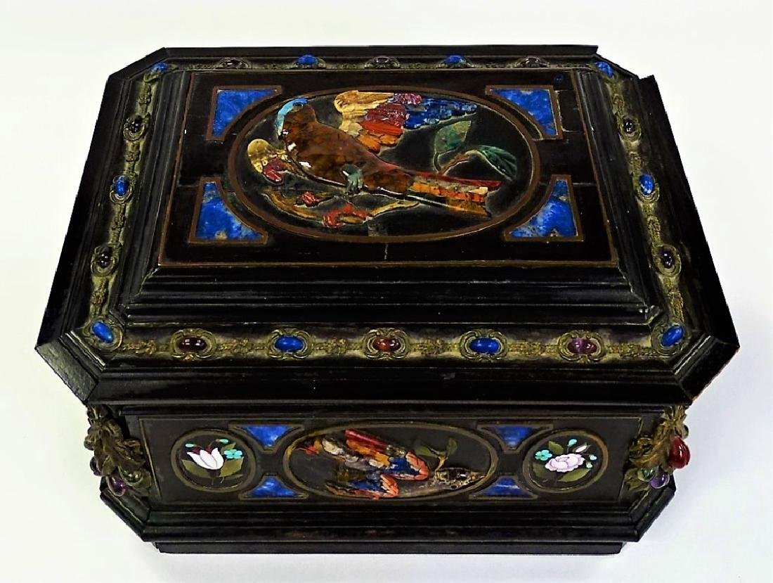 EXTRAORDINARY ORIENTALIST PIETRA DURA HINGED BOX