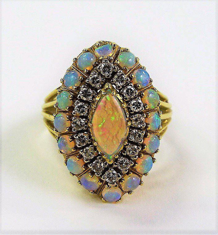 STUNNING 18KT YG OPAL & DIAMOND COCKTAIL RING