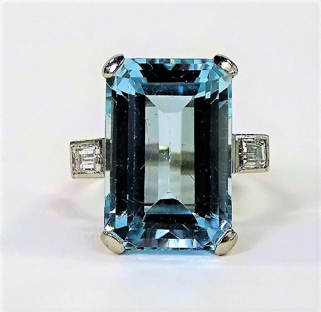 VINTAGE LADIES PLATINUM AQUAMARINE & DIAMOND RING