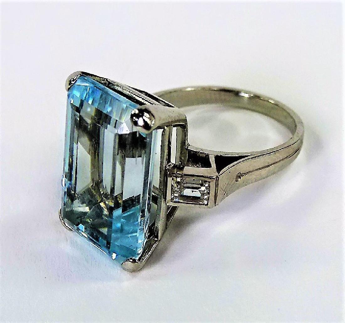 VINTAGE LADIES PLATINUM AQUAMARINE & DIAMOND RING - 3