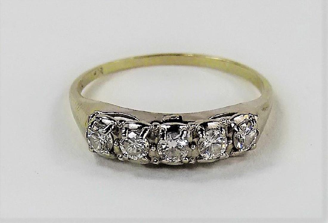 LADIES VINTAGE 14KT WHITE GOLD DIAMOND RING