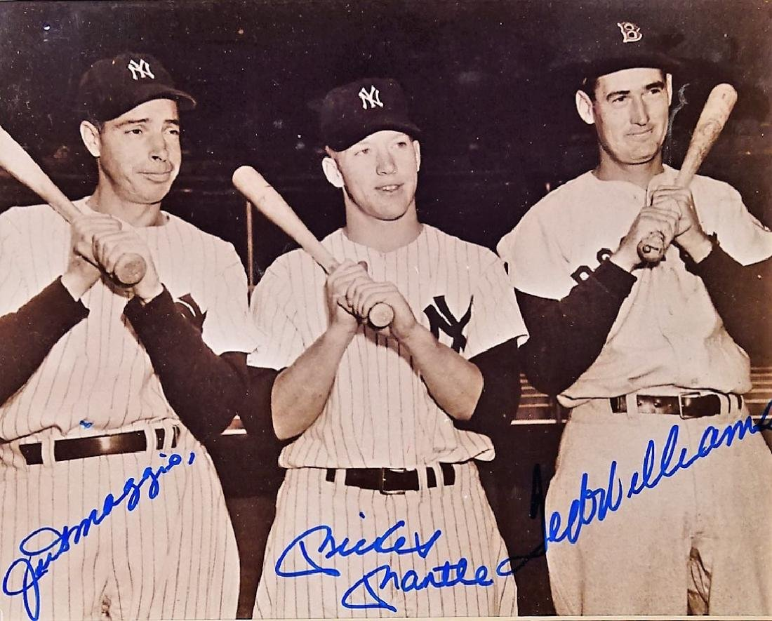 AUTHENTIC AUTOGRAPHED YANKEE H.O.F PHOTO - 2