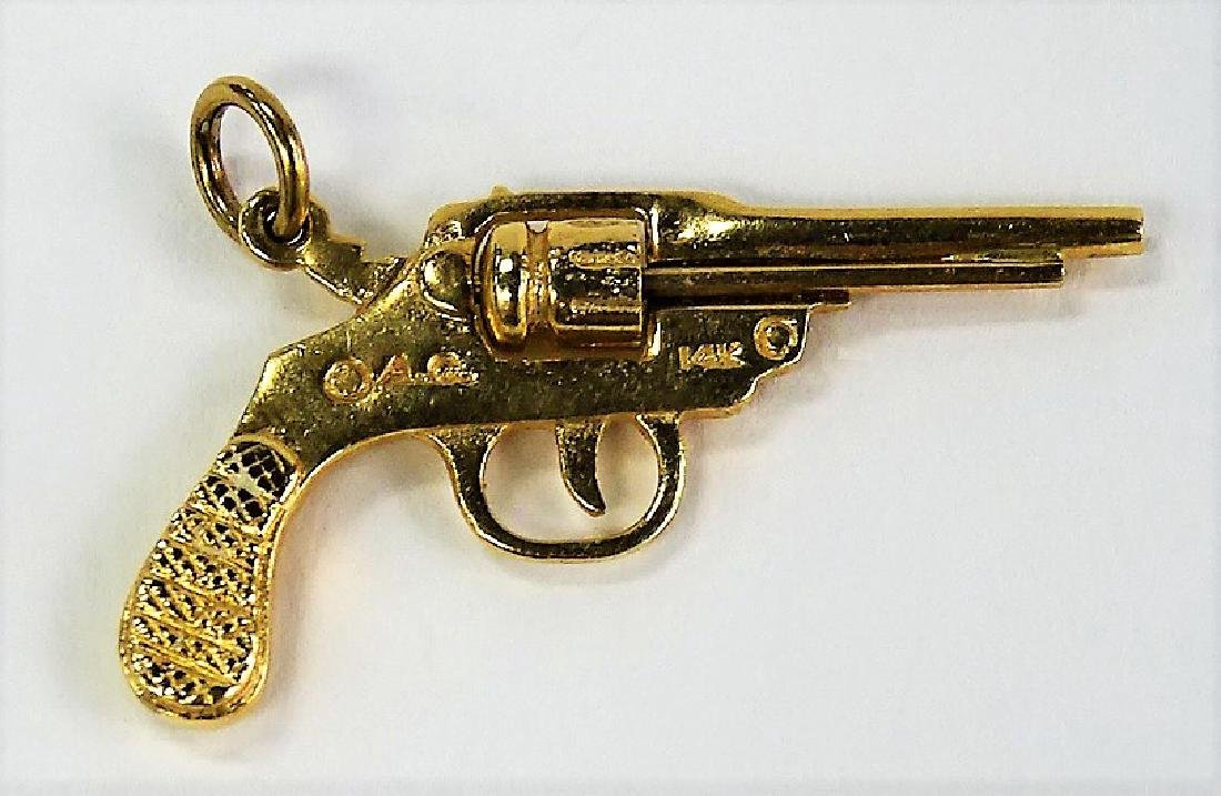 14 KT Y GOLD REVOLVER GUN PENDANT