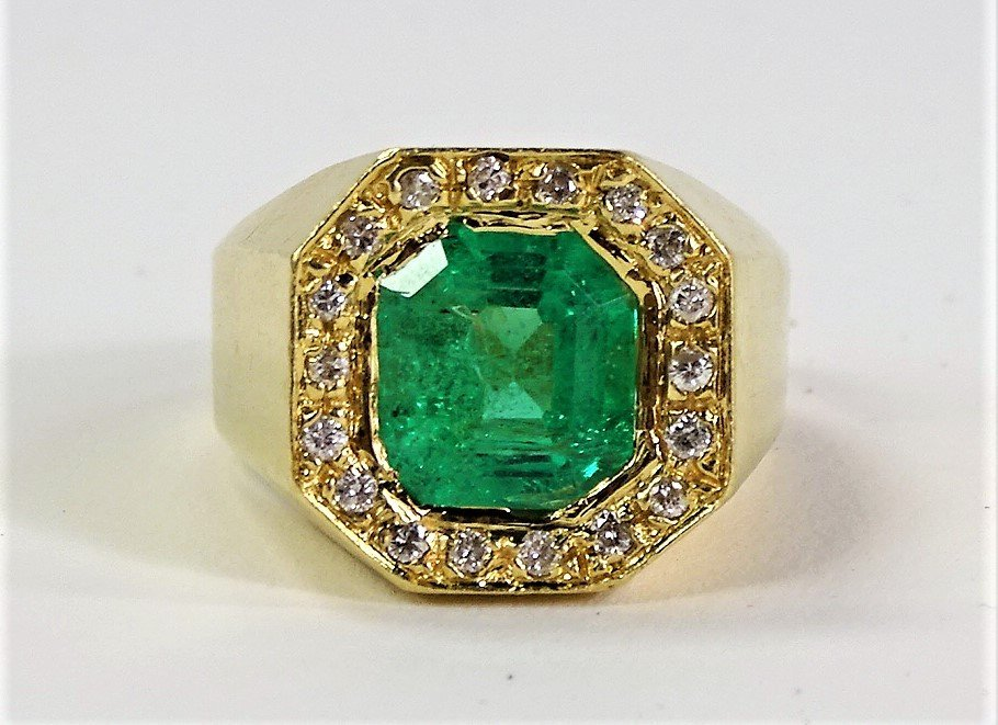 GENTS 14KT Y GOLD EMERALD AND DIAMOND RING