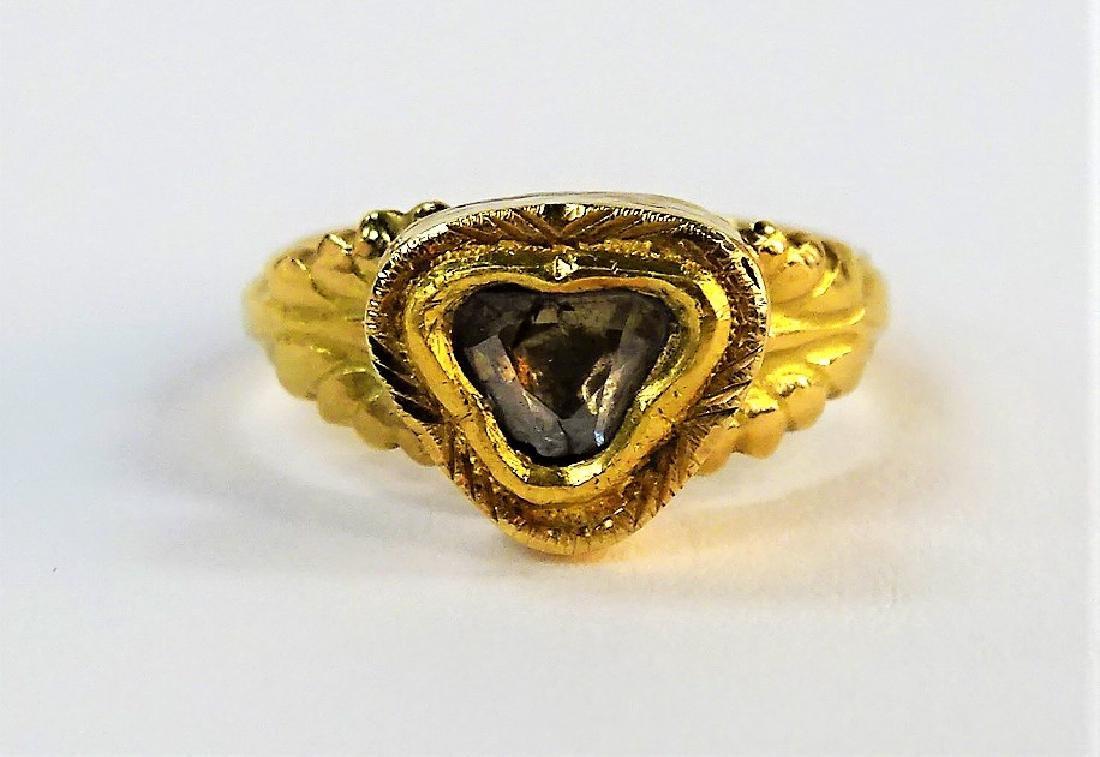 ANTIQUE 18KT YELLOW GOLD & DIAMOND HEART RING