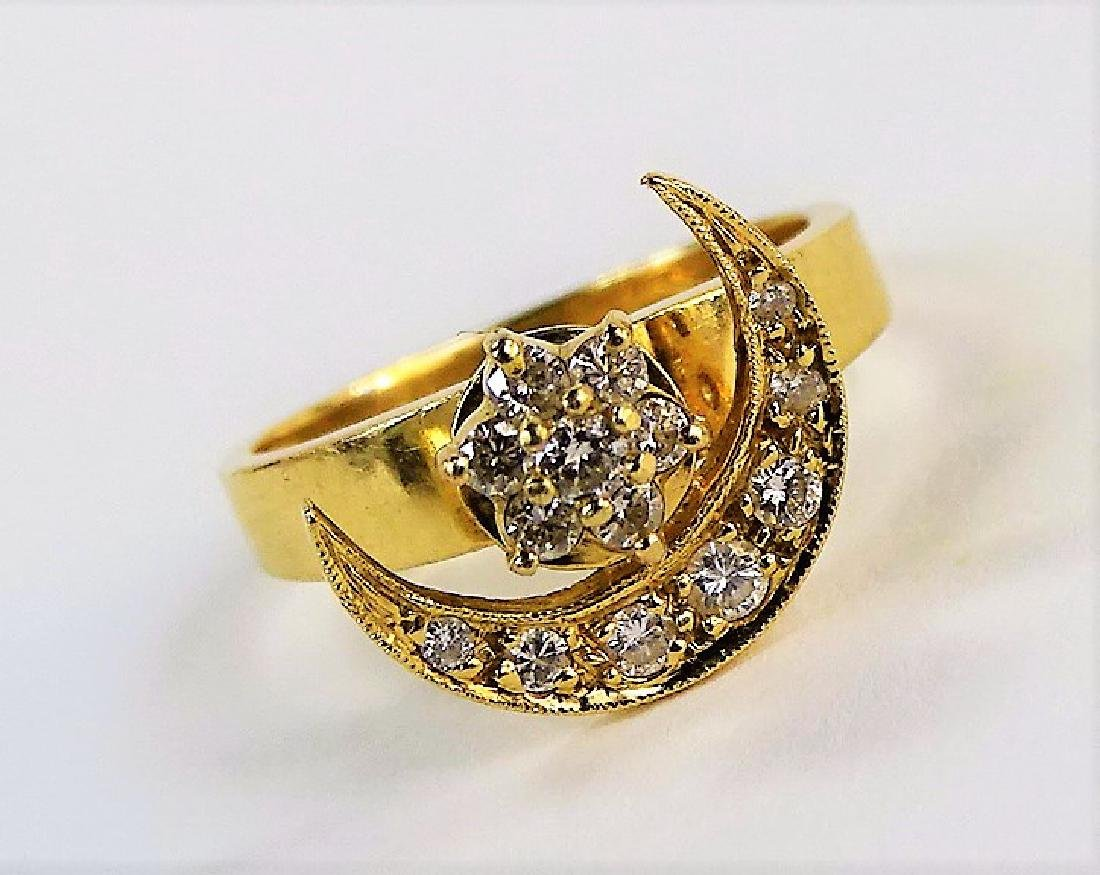 LADIES 14KT YG & DIAMOND CRESCENT MOON RING