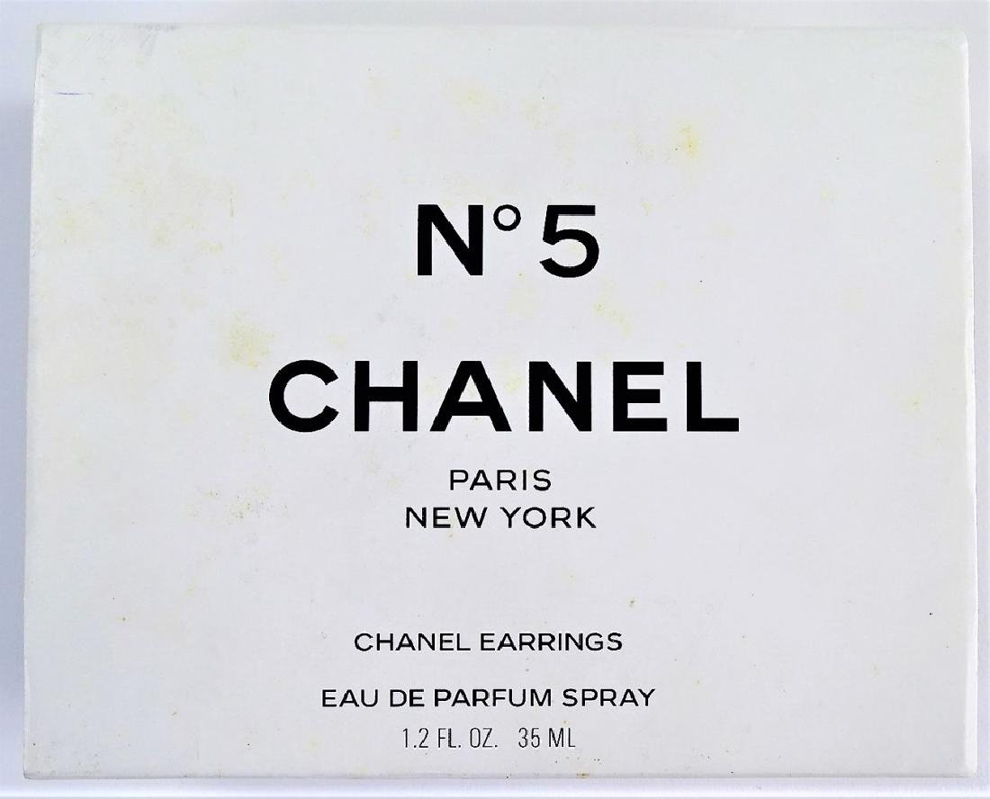 VINTAGE CHANEL NO. 5 PERFUME & EARRING SET - 4