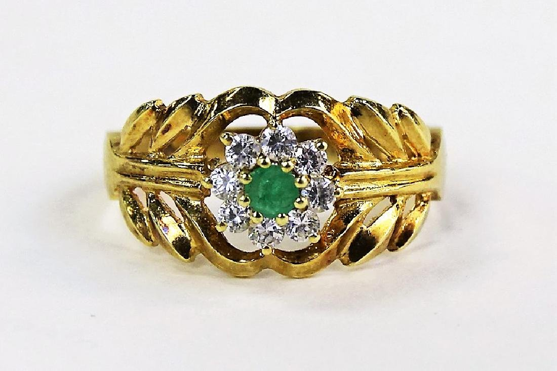 LADIES 14KT YELLOW GOLD EMERALD & DIAMOND RING
