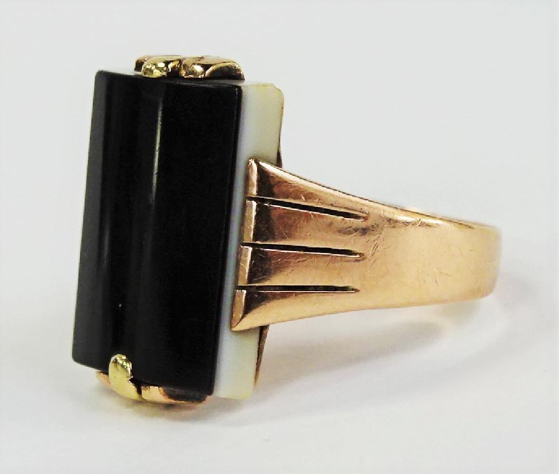 MENS RETRO 14KT YELLOW GOLD ONYX RING - 3