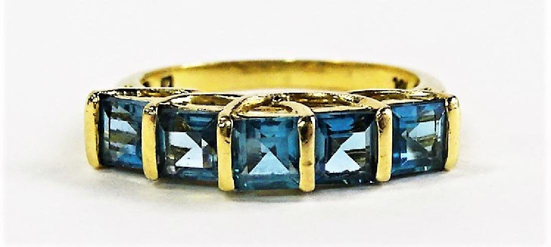 LADIES 14KT YELLOW GOLD BLUE TOPAZ RING