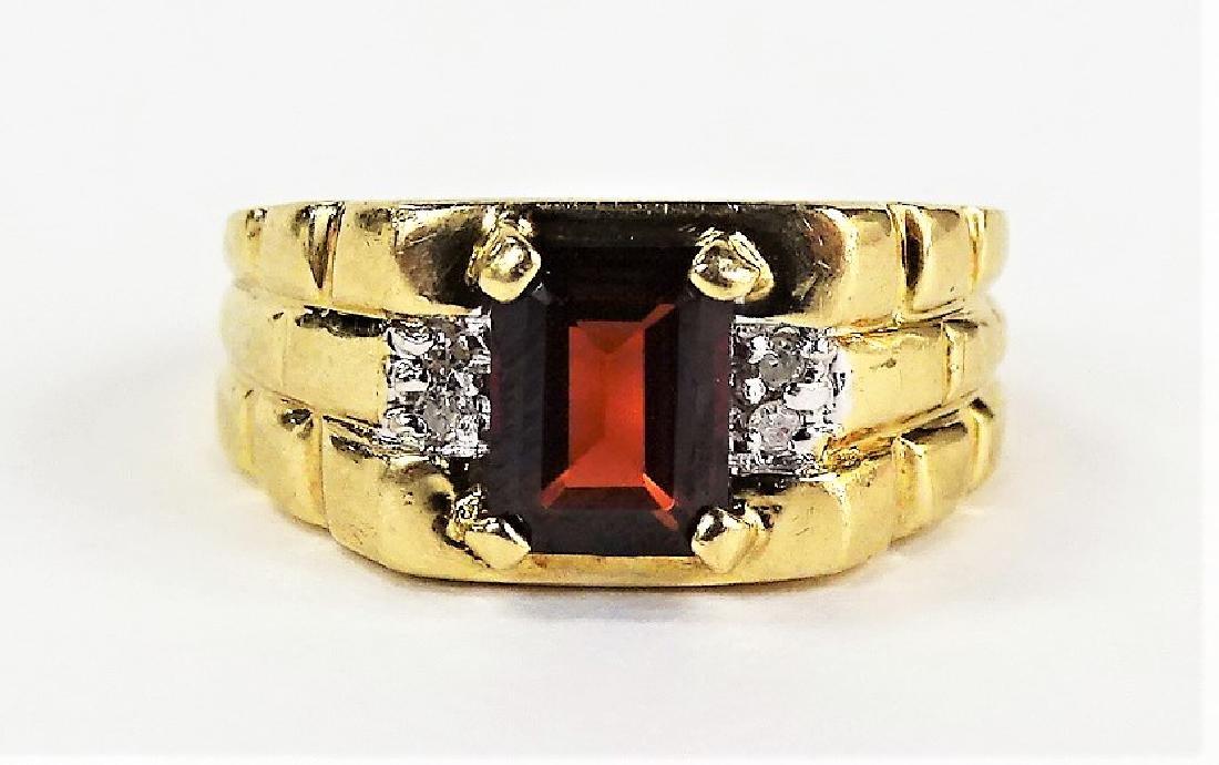 GENTS 14KT YELLOW GOLD GARNET & DIAMOND RING