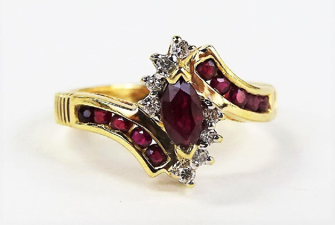 LADIES FANCY 14KT YG GARNET & DIAMOND RING