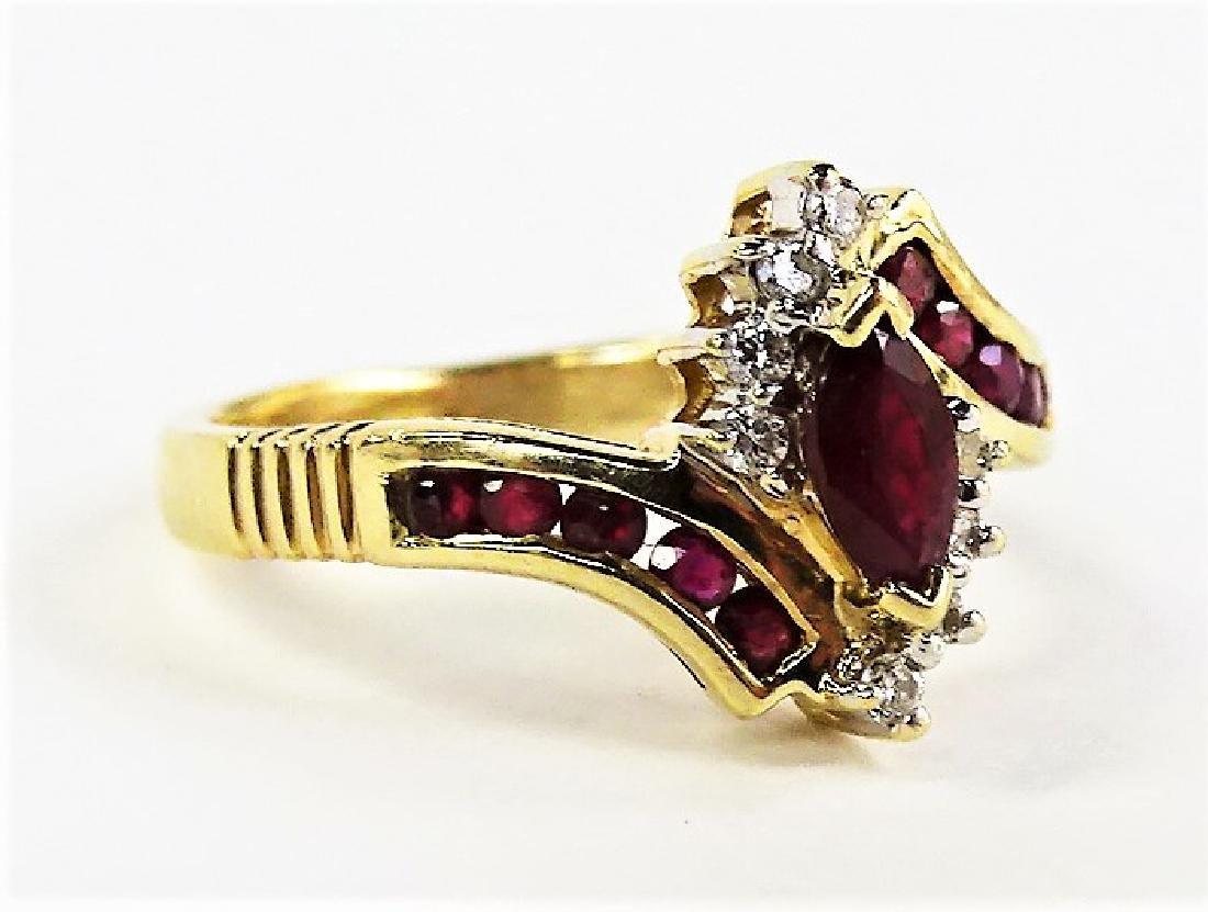 LADIES FANCY 14KT YG GARNET & DIAMOND RING - 2