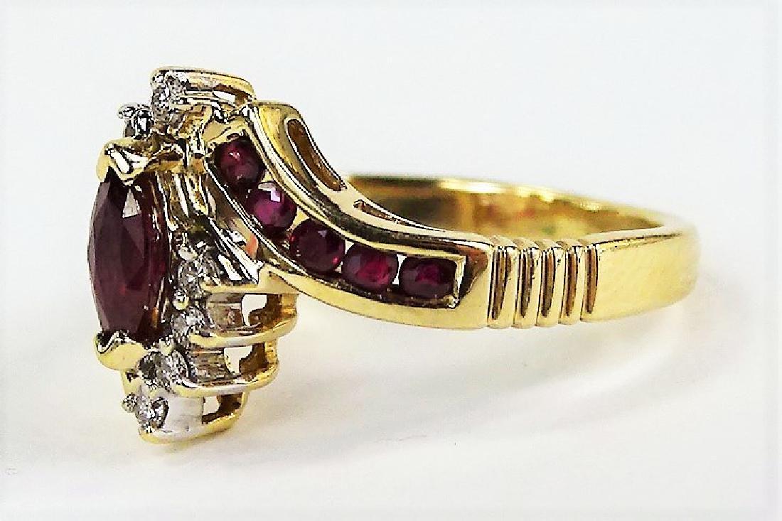 LADIES FANCY 14KT YG GARNET & DIAMOND RING - 3