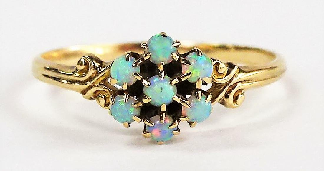 LADIES 14KT YELLOW GOLD OPAL CLUSTER RING