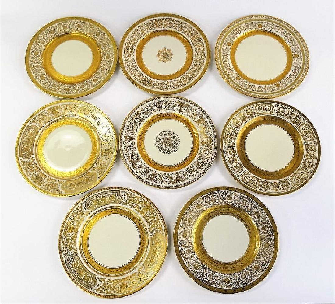 8 VINTAGE CZECHOSLOVAKIAN CHINA DINNER PLATES