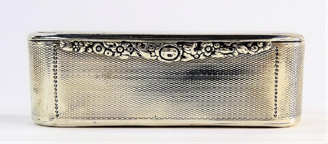 A GEORGE III OVAL STERLING SILVER TOBACCO BOX - 3