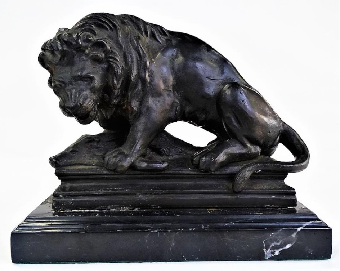 EARLY CAST IRON SCULPTURE OF LION & PREY