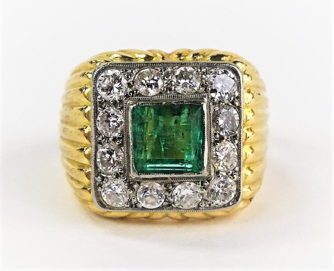LADIES STUNNING 14KT YG EMERALD & DIAMOND RING
