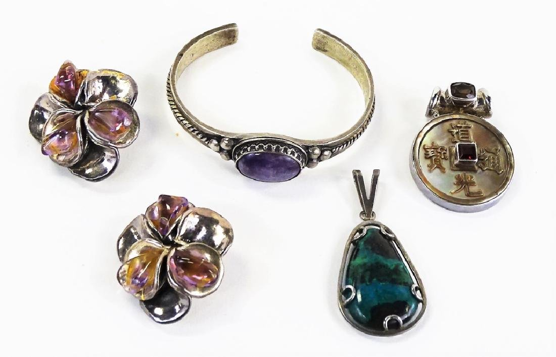 LOT OF MISCELANIOUS STERLING JEWELRY