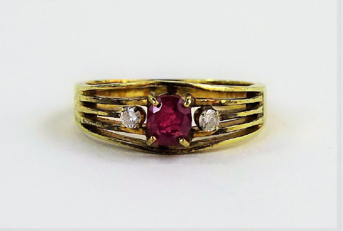 LADIES VTG 14KT YELLOW GOLD RUBY & DIAMOND RING