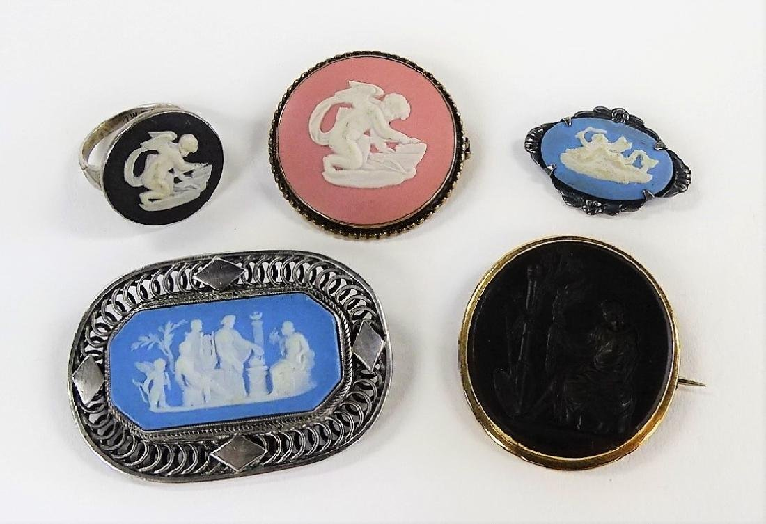 LOT OF 5 WEDGWOOD CAMEO JEWELRY ITEMS