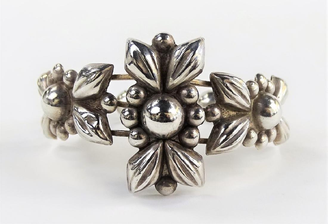 VINTAGE STERLING SILVER MEXICAN FLORAL BANGLE