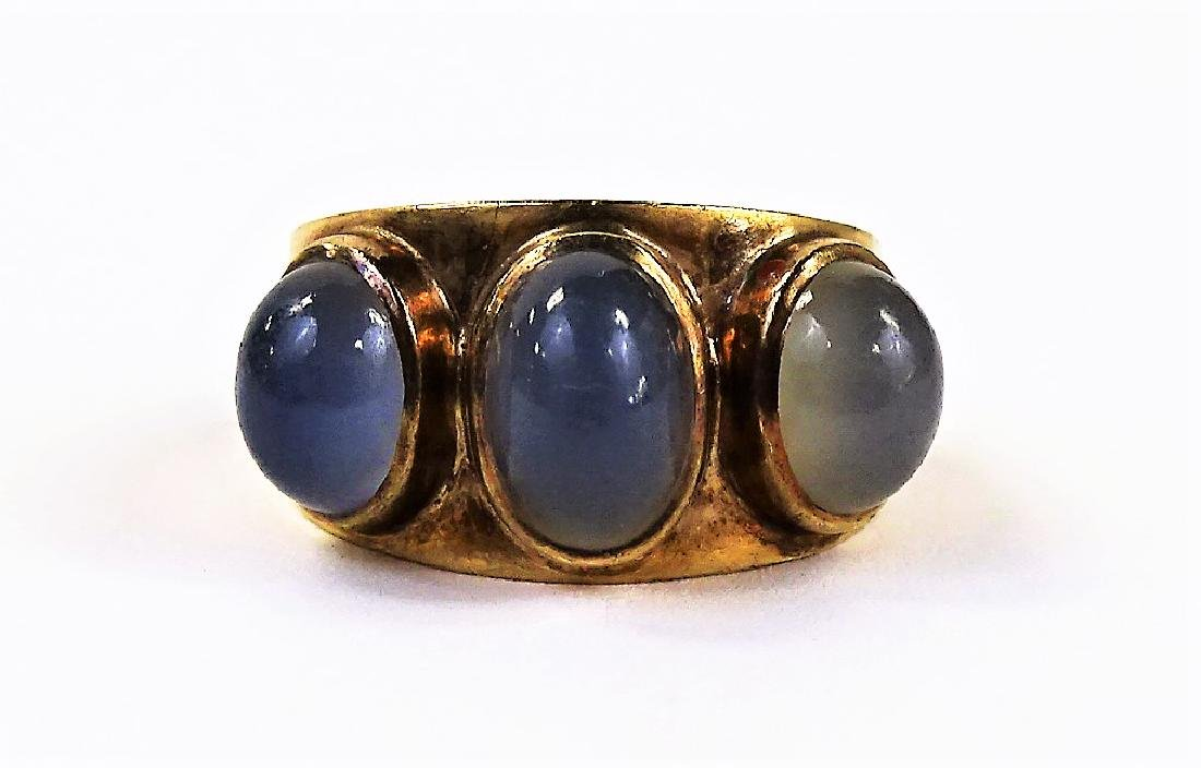 ANTIQUE 9K GOLD & MOON STONE CABOCHON RING