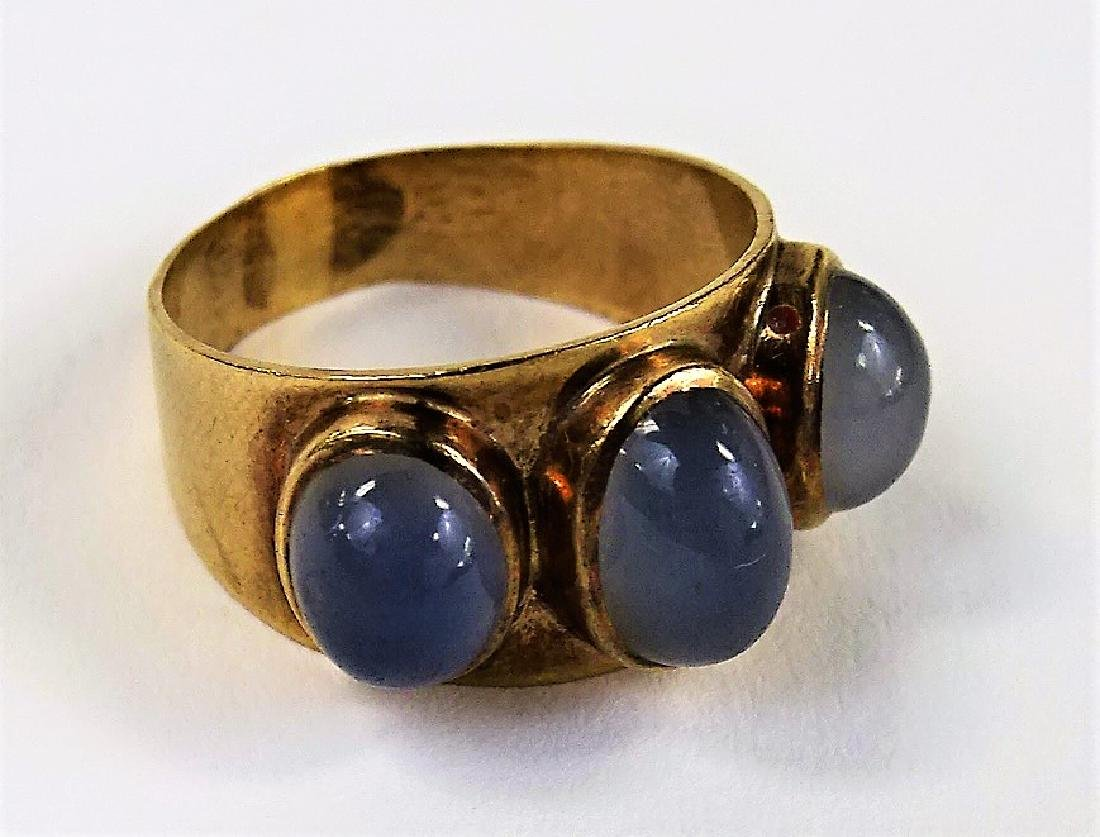 ANTIQUE 9K GOLD & MOON STONE CABOCHON RING - 2