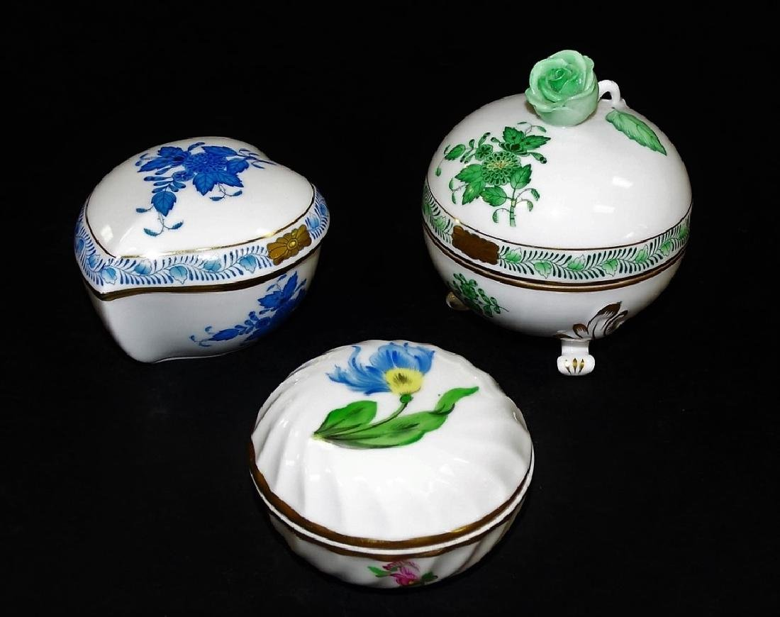 3 HEREND HAND PAINTED LIDDED PORCELAIN BOXES