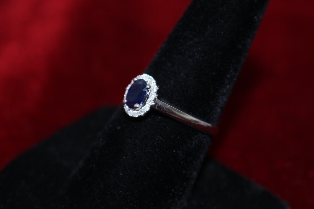 14KT WHITE GOLD WITH BLUE SAPPHIRE & DIAMOND RING