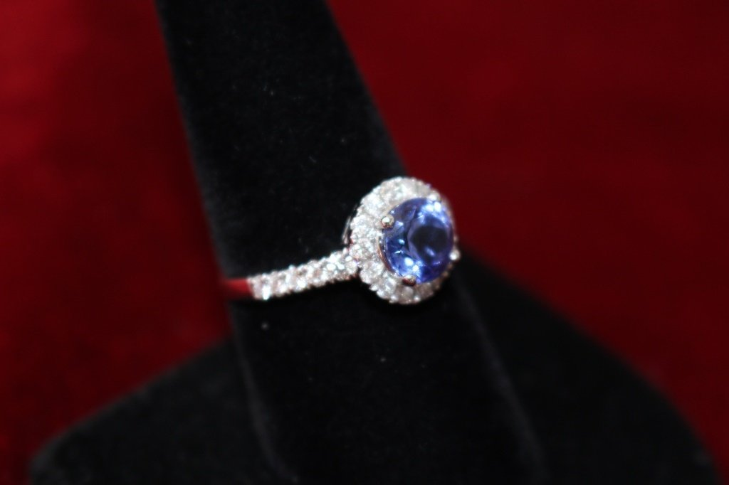 14KT WHITE GOLD TANZANITE AND DIAMOND RING - 3
