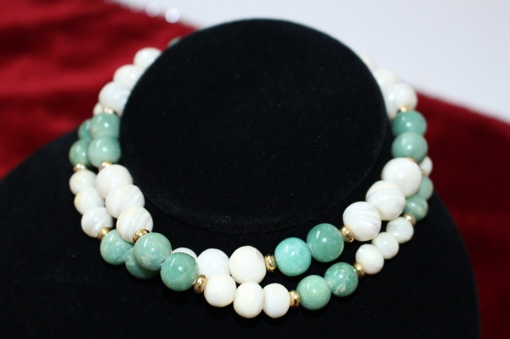 CHINESE JADEITE WHITE CORAL AND 14KT GOLD NECKLACE