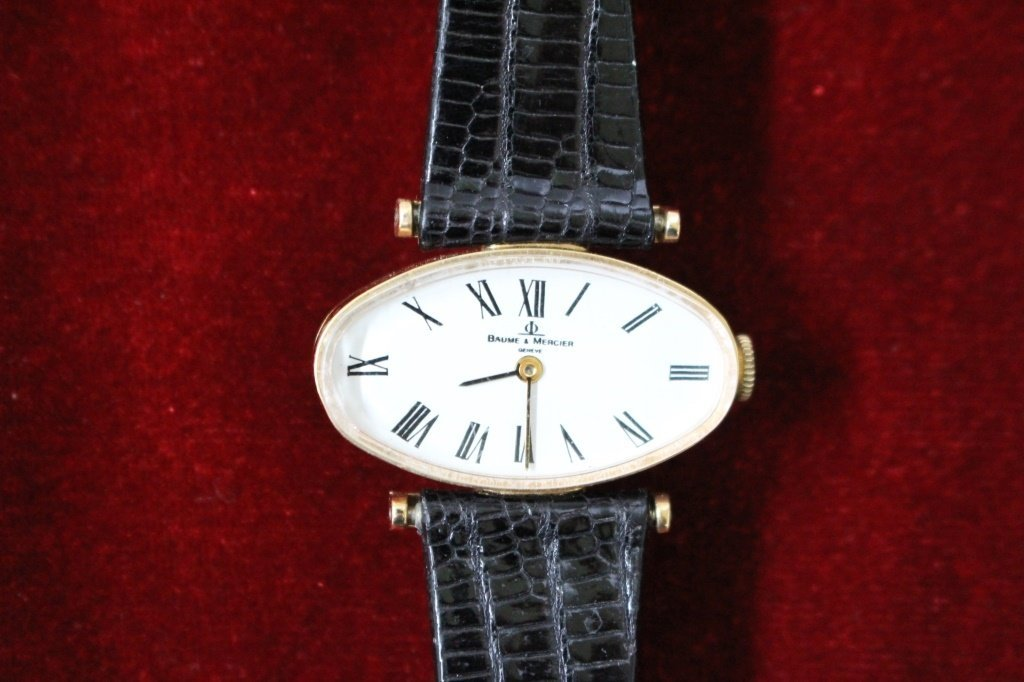 VINTAGE BAUME AND MERCIER 14KT YG LADIES WATCH