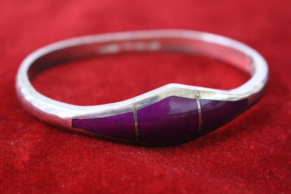 VINTAGE HEAVY MEXICAN ENAMELED STERLING BANGLE